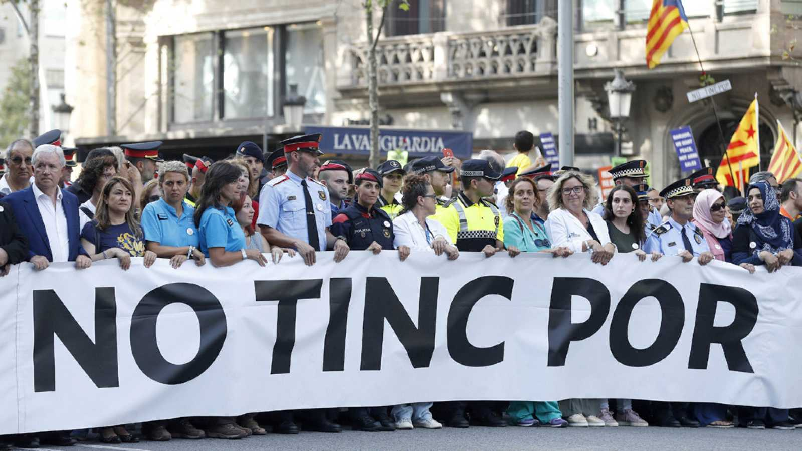 Miles De Personas Invaden El Corazón De Barcelona Para Gritar Que