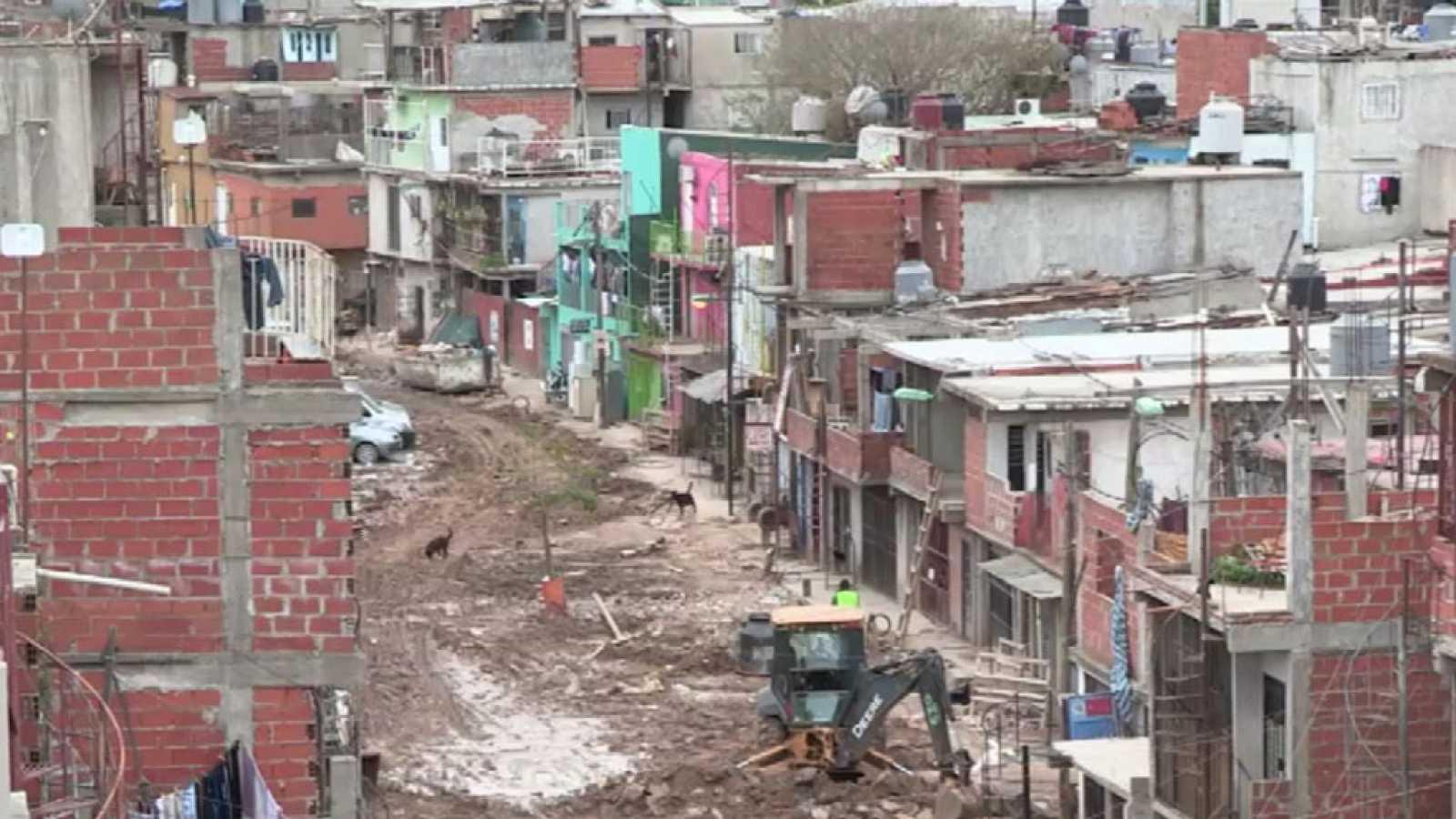 Buenos aires comienza a urbanizar la villa 31 una de las for Villas en argentina
