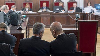 El primer juicio del caso de los ERE en Andalucía arranca con Chaves y Griñán en el banquillo