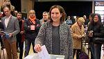 Video de la alcaldesa de Barcelona, Ada Colau, votando en el Centre Civic La Sedeta en las elecciones en Cataluña
