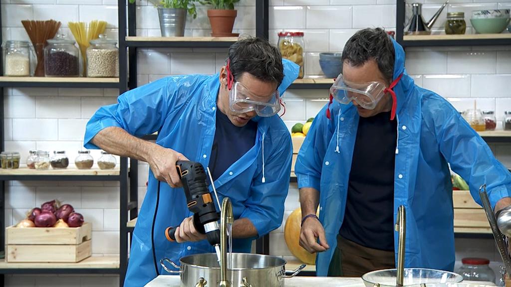 Para Todos Los Públicos Torres En La Cocina   Cardo Con Mejillones Y  Natillas De Mantecados   Ver Ahora Reproducir Video