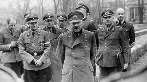 Hitler y los apóstoles del mal