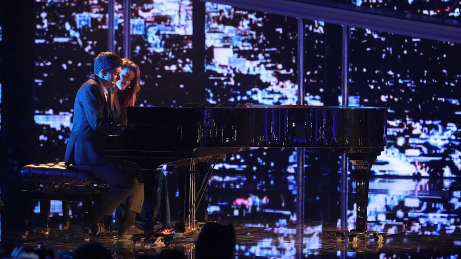1750038eb Para todos los públicos Operación Triunfo - Amaia y Alfred cantan  City of  stars  en la Gala Fiesta reproducir video