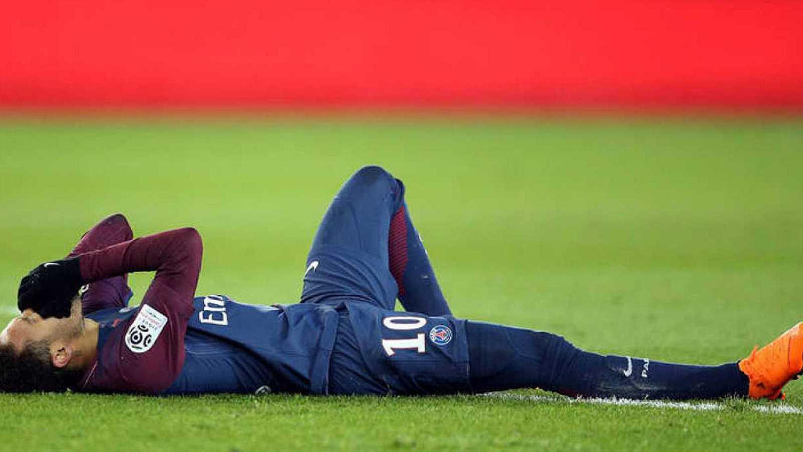 F tbol neymar sufre un esguince y una fisura en el for Cuarto y quinto metatarsiano