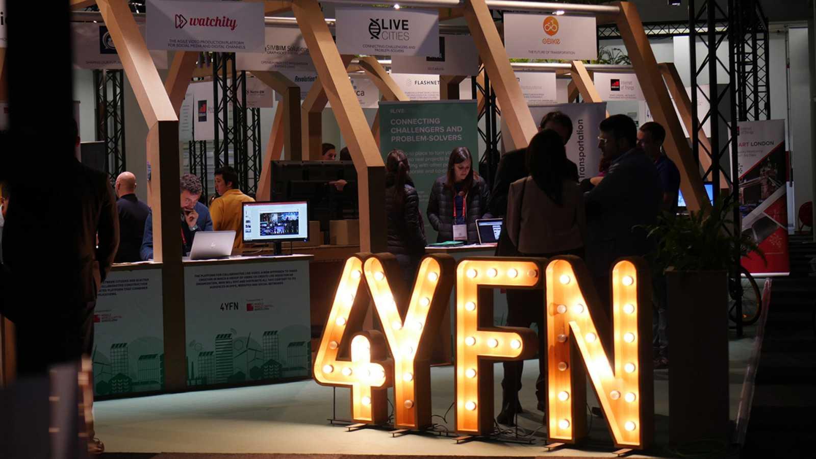 La plataforma de negocios Four Years From Now (4Y4N) ha reunido a alrededor de 600 empresas emergentes en su edición de 2018, con una asistencia prevista de 19.000 personas.Este evento, paralelo al Mobile World Congress (MWC), busca que las pequeñas