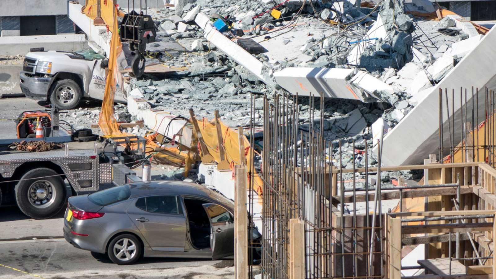Resultado de imagen para puente derrumbe miami