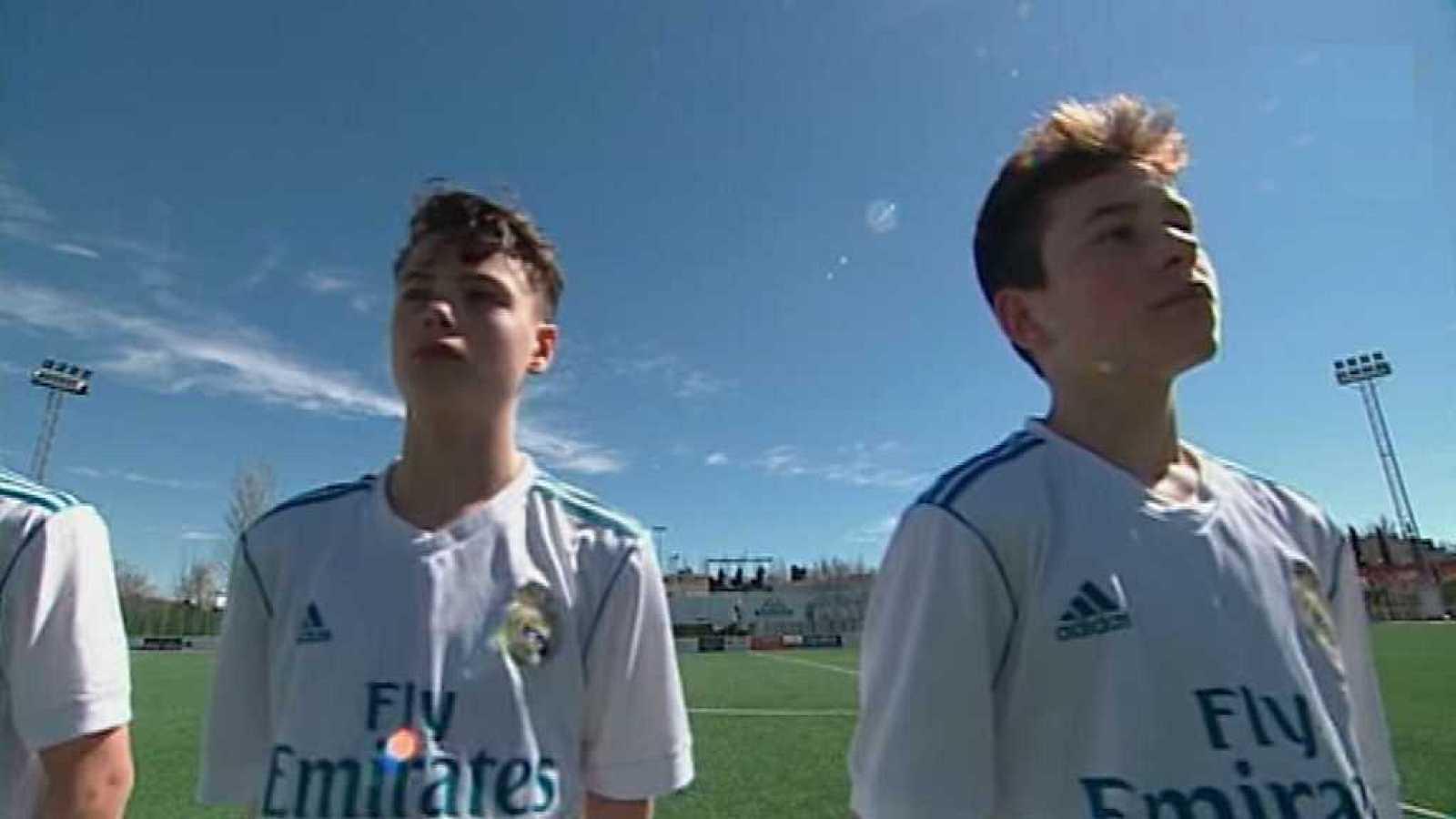 ... uk cheap sale Para todos los públicos Fútbol - Trofeo Ford 2018 Real  Madrid - C.D. ... 86e191824e6