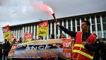 El segundo día de huelga en Francia provoca atascos de 400 km en los accesos a la capital