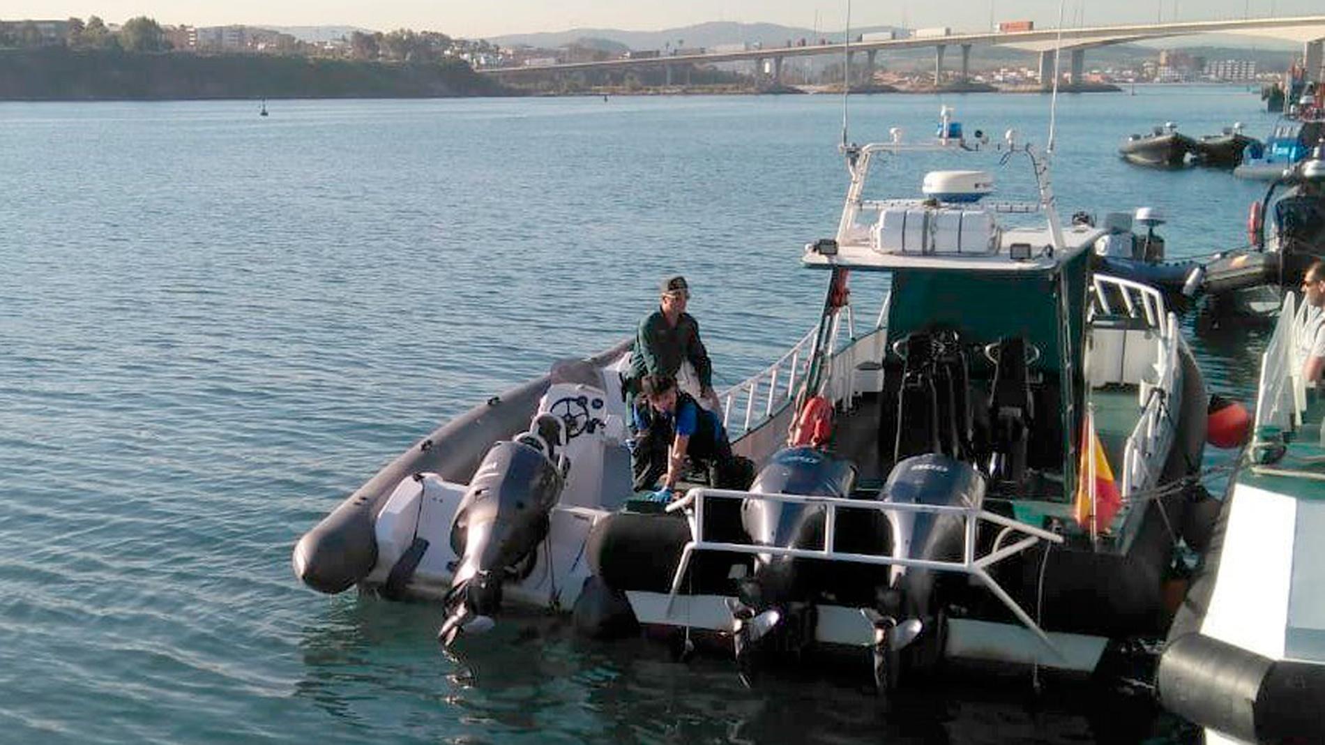 Un ni o muere en algeciras al ser arrollada su embarcaci n - Cristalerias en algeciras ...
