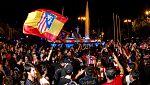 Miles de aficionados rojiblancos celebran la Liga Europa en Neptuno