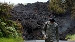 El Kilauea genera una nube tóxica al llegar al mar que amenaza a la población