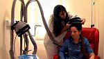 Un gorro evita que los enfermos de cáncer pierdan el pelo a causa de la quimioterapia