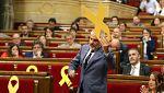 Un rifirrafe por un lazo amarillo en el Parlament termina con la suspensión del pleno