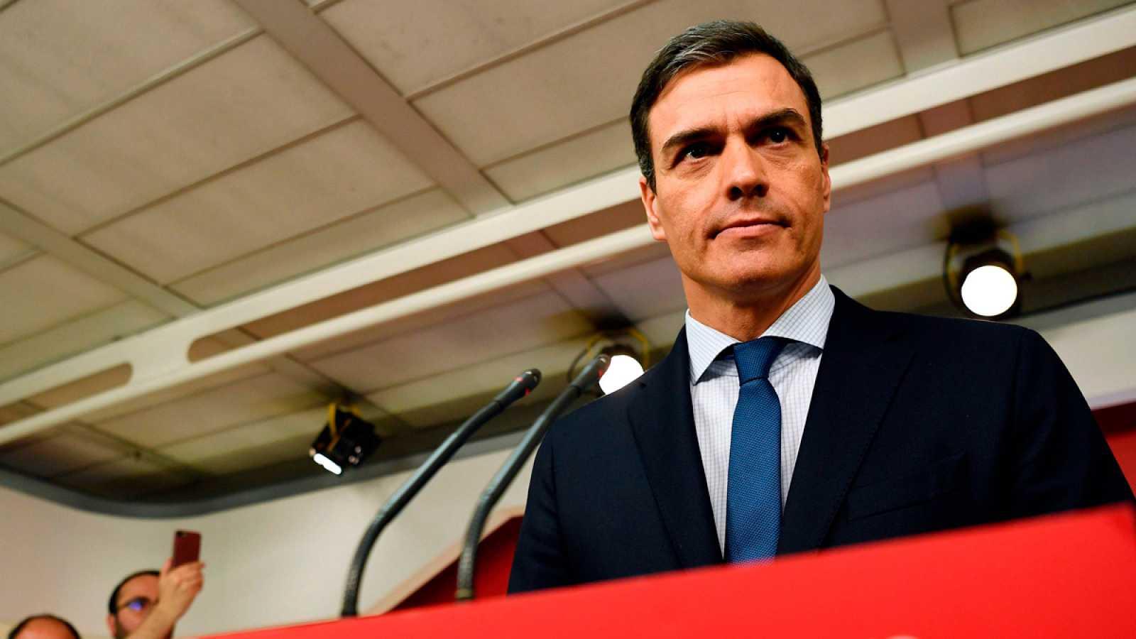 """Sánchez presenta su moción de censura para """"recuperar la normalidad institucional"""" y convocar elecciones """"cuanto antes"""""""