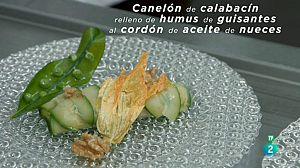 Canelón de calabacín relleno de humus de guisantes