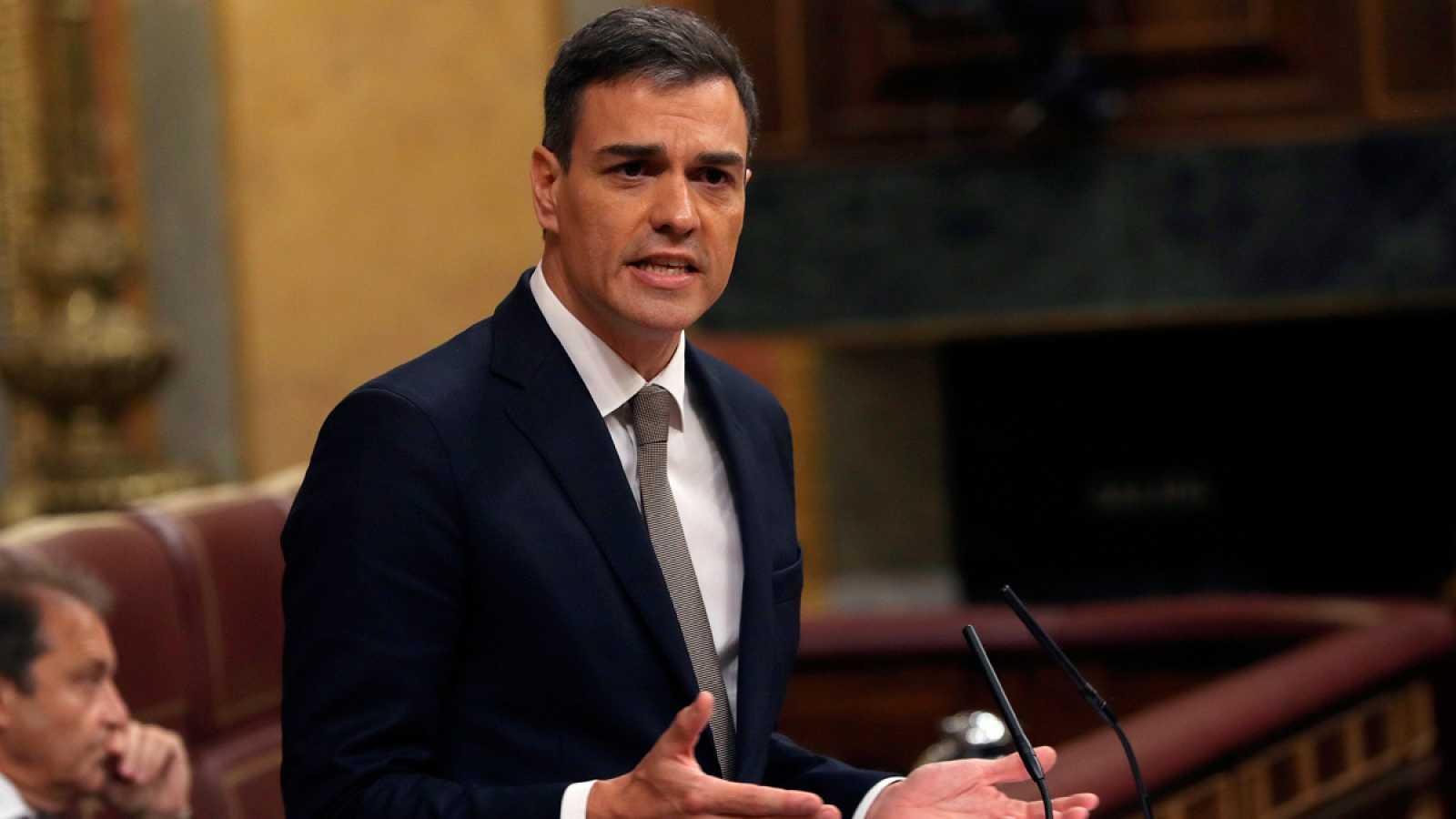 Sánchez pide a Rajoy que dimita