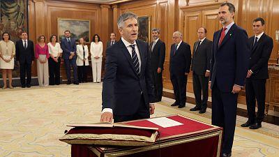 """El ministro de Interior, Fernando Grande-Marlaska, el primer hombre en citar en su promesa """"el Consejo de Ministros y Ministras"""""""