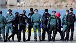 Los 274 migrantes del Dattilo ya han llegado al puerto de Valencia