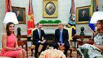 Trump dice que le gustaría ir a España al recibir a Felipe VI en la Casa Blanca