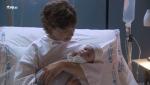 Servir y proteger - Alicia da a luz a un precioso niño