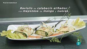Raviolis de calabacín aliñados con mayonesa de mango y nuece