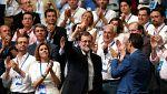 """Rajoy recibe la ovación del Congreso del PP: """"Ha sido más difícil superar tu marcha, presidente"""""""