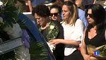 Hoy se ha enterrado en Pilas, Sevilla, a la familia asesinada en Francia en un caso de violencia de género