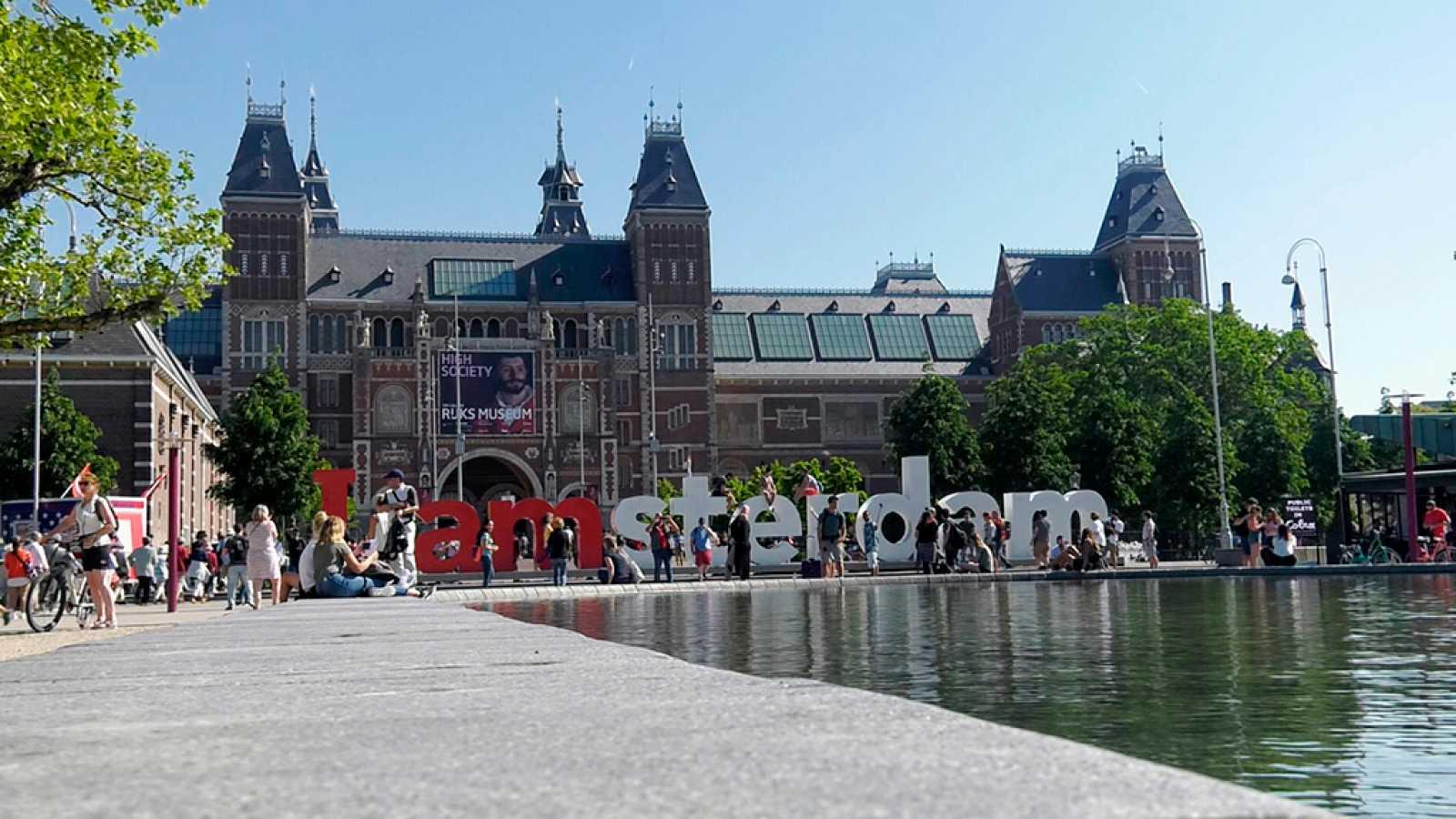 Como Decir Feliz Navidad En Holandes.Espanoles En El Mundo Holanda