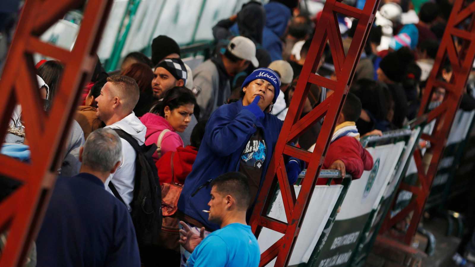 Ecuador exige pasaporte a los venezolanos que quieran entrar en el ...