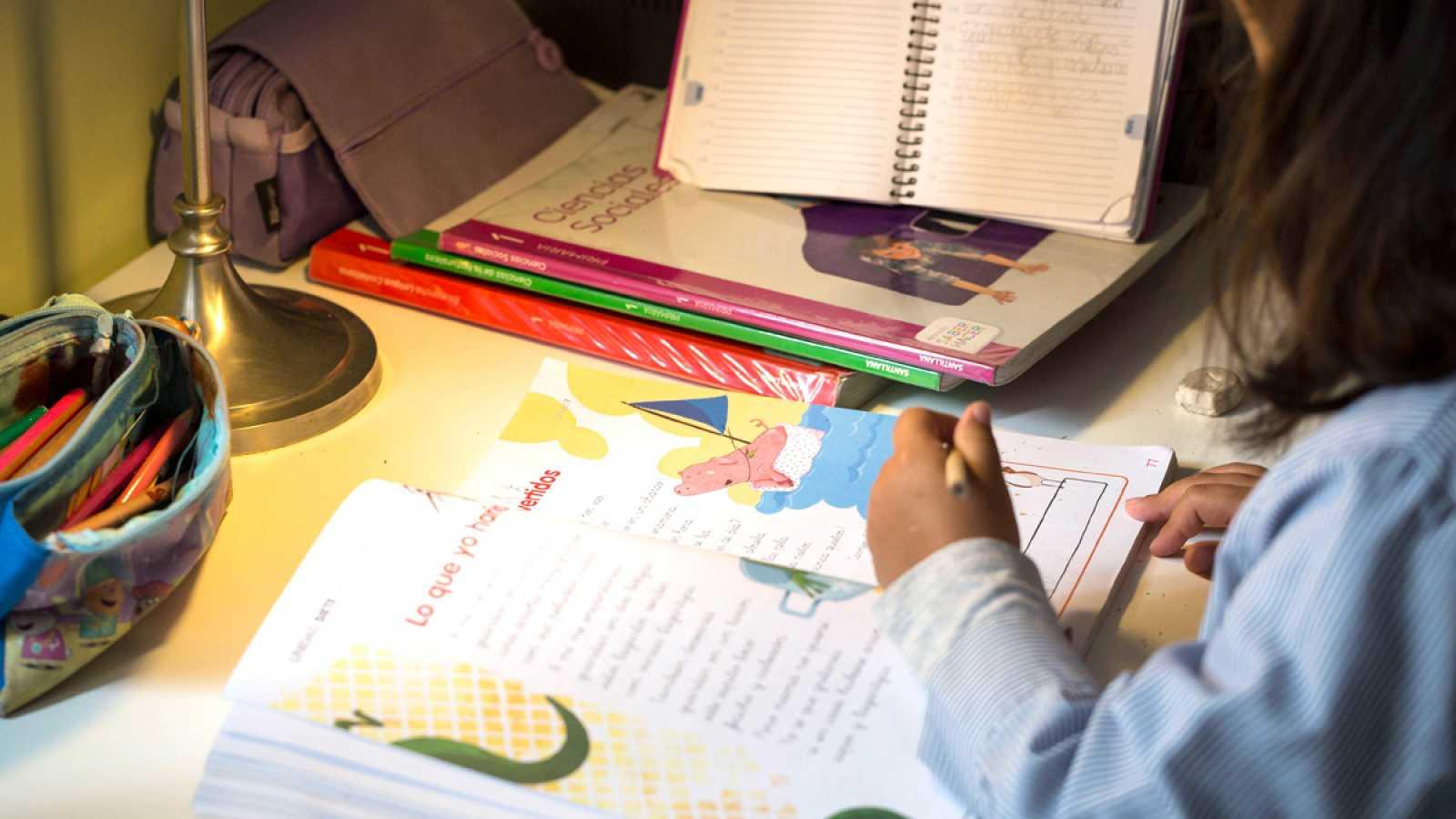 Los expertos creen que los libros de texto deben ayudar a visualizar ...