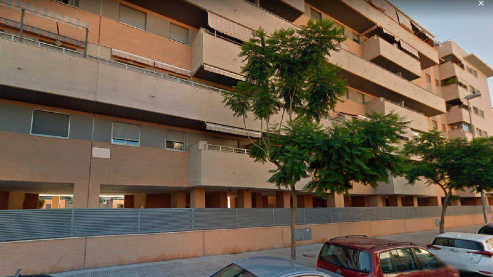 Resultado de imagen de Un hombre lanza por la ventana a la hija de unos amigos y luego se suicida en Málaga
