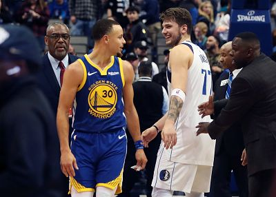 Curry se exhibe ante Doncic