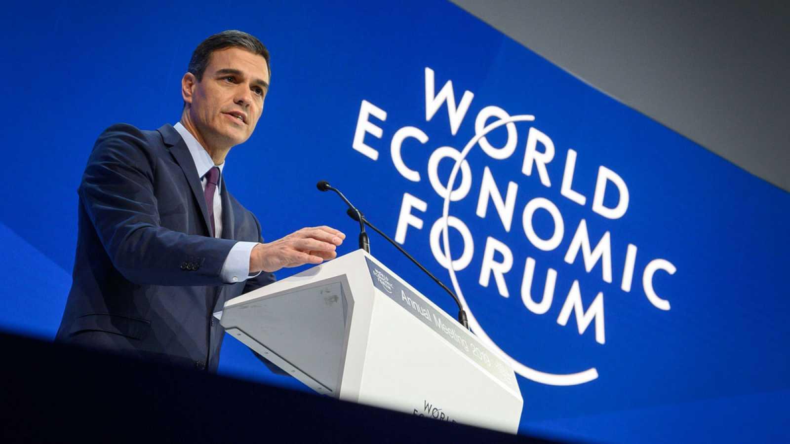 Sánchez defiende las políticas progresistas en Davos