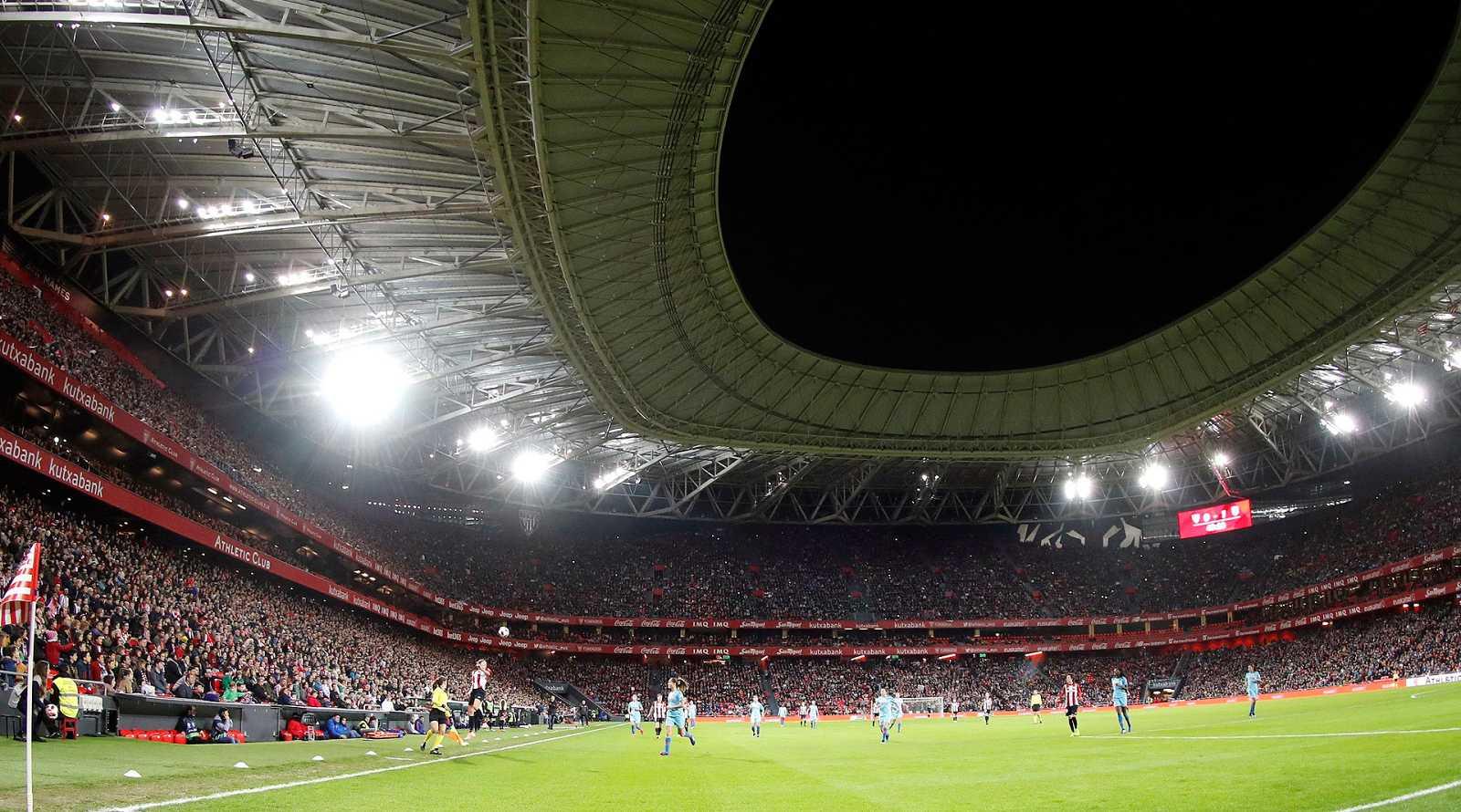 ... se reunieron en San Mamés para ver el partido entre el Athletic y el  reproducir video 01.00 min. El fútbol femenino bate su récord de asistencia  ... 0b1d899b5d44c