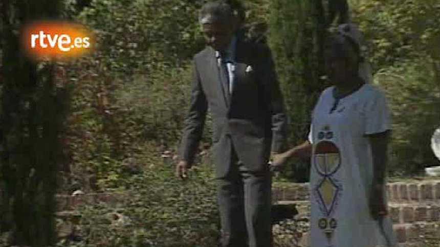 Informe Semanal - Imágenes de la liberación en 1990 de Nelson Mandela