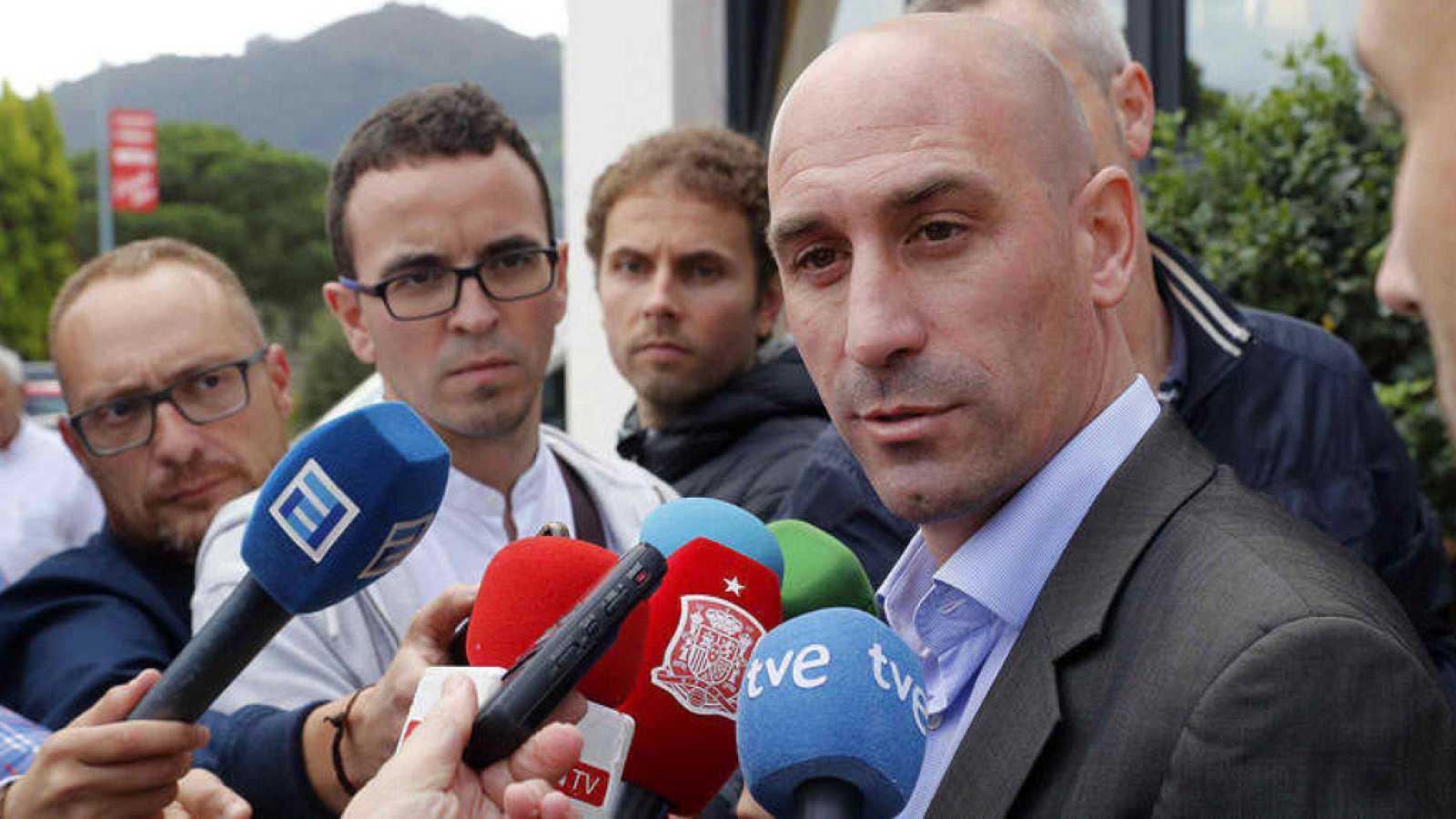 99e6dce20 Luis Rubiales anuncia a través de sus redes sociales que