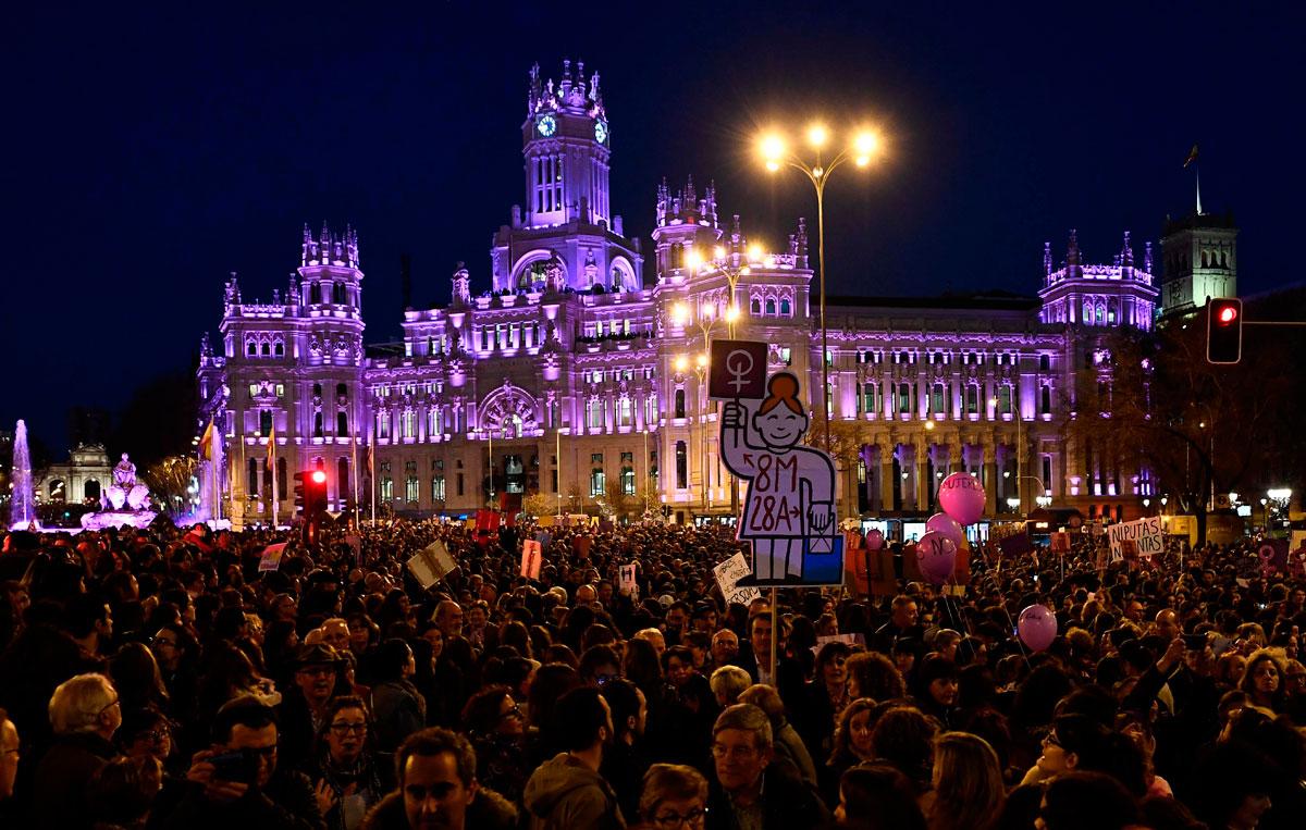 De Por Igualdad Personas 8m Madrid La Se En El Manifiestan Más 350 000 7vIb6Ygfy
