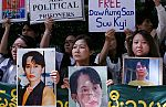 Mundo 24H - En Myanmar, la antigua Birmania, la Premio Nobel de la Paz Aung San Suu Kyi está siendo juzgada