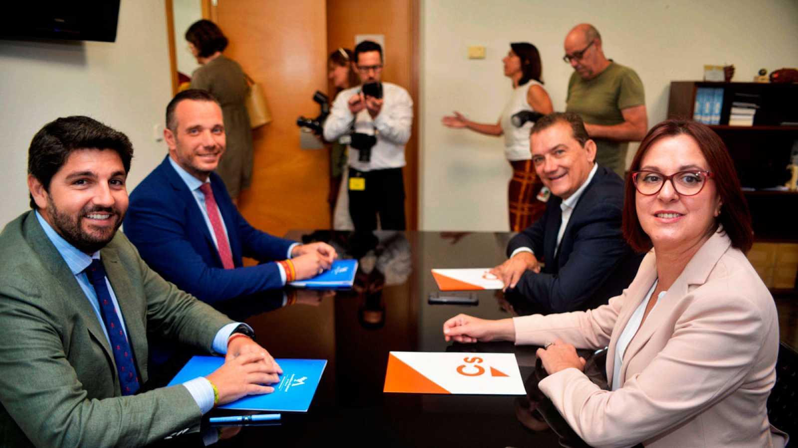 PP y Cs aceptan el documento de Vox en Murcia