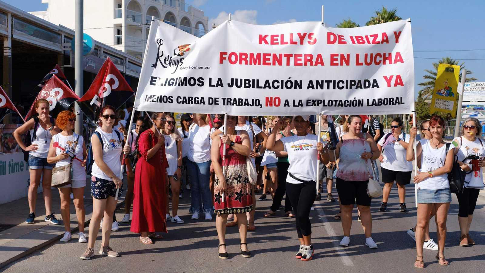 Resultado de imagen de Las camareras de piso, conocidas como 'kellys', de Ibiza y Formentera van a la huelga