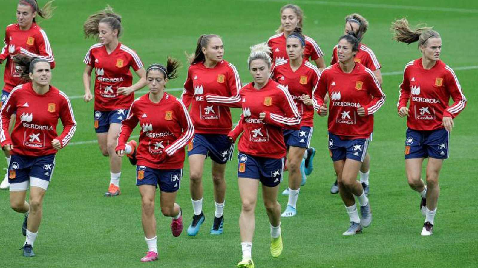 descuento especial de hacer un pedido nueva selección La selección femenina de fútbol busca un triunfo valioso en Praga