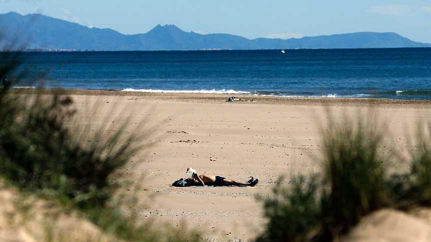 Intervalos de viento fuerte en la primera mitad del día en Galicia y Cantábrico
