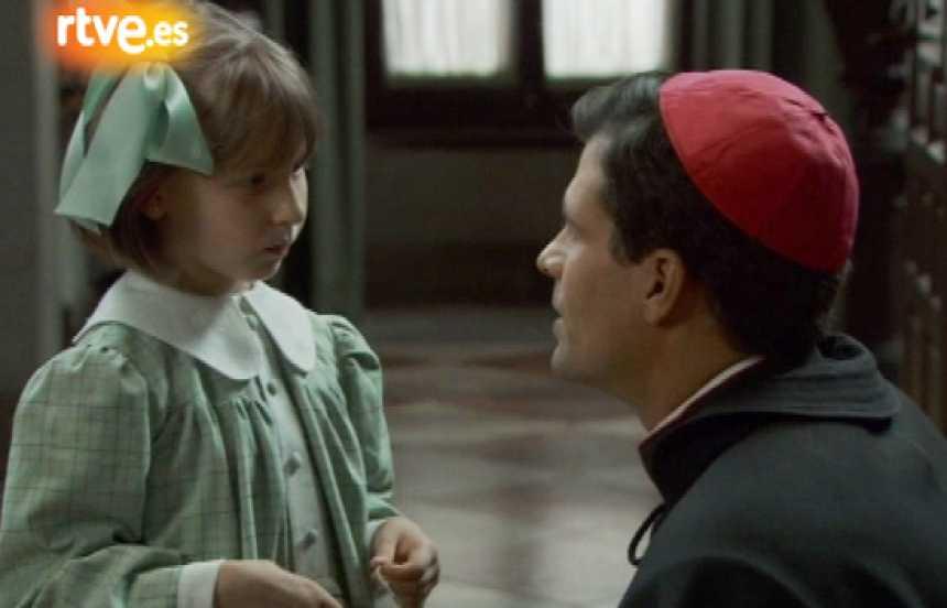 La señora - Ángel y Aurora se conocen
