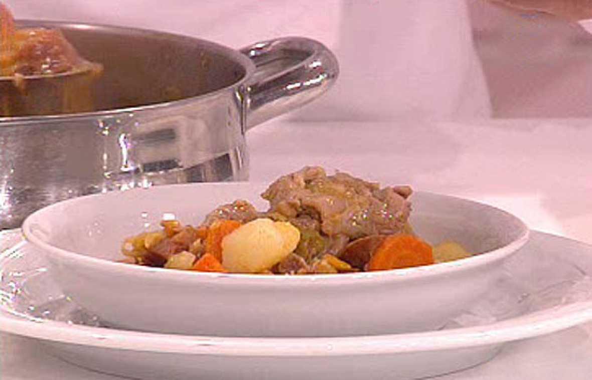Cocinar Codillo En Salmuera | Saber Cocinar Patatas Con Codillo Y Berza Rtve Es