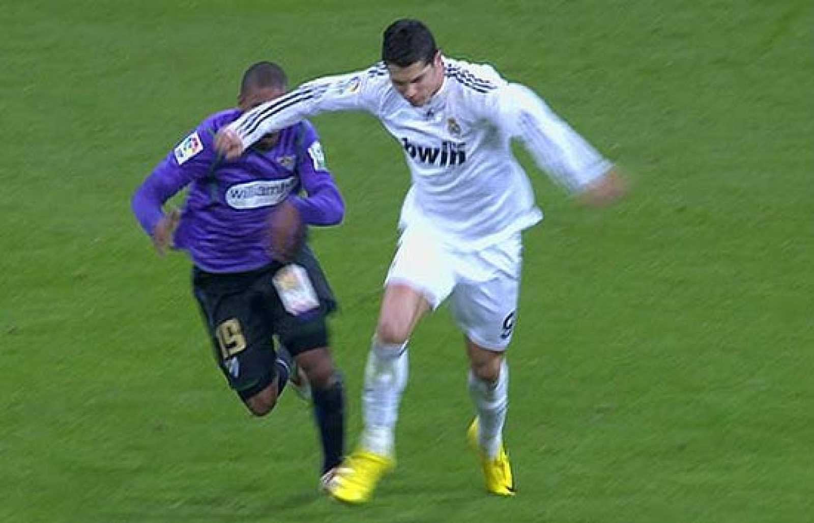 9da67cffd5 El Real Madrid gana al Málaga gracias a un Ronaldo  bipolar  - RTVE.es