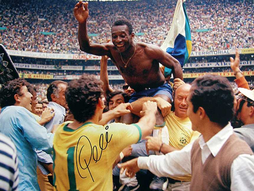 Edson pasó a llamarse O'Rei Pelé en México 70