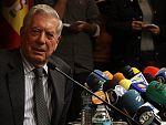 Vargas Llosa: 'El Nobel no cambiará mi escritura y seguiré trabajando hasta el último día de mi vida'