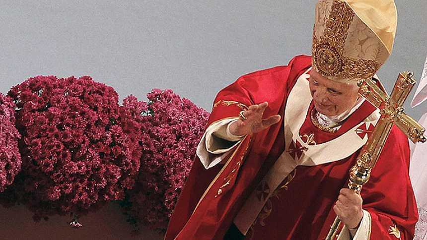 Informe Semanal - Benedicto XVI y las Biblias de piedra