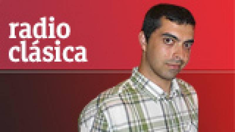 Entrevista con Joaquín Achúcarro, pianista invitado por la Orquesta Sinfónica de Radiotelevisión Española. Entrevista realizada por Mikaela Vergara y Diego Requena, en directo, en Redacción de Radio Clásica (07/12/11).