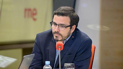 """14 horas fin de semana - Alberto Garzón: """" La mejor fórmula es la abolición de la prostitución pero con alternativas para las mujeres explotadas"""" - Escuchar ahora"""